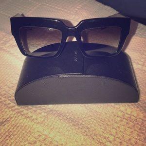 🎈Prada🎈 Geometric Square Flat Black sunglasses